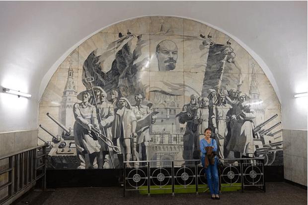 müzeyi-anımsatan-moskova-metrosu-13