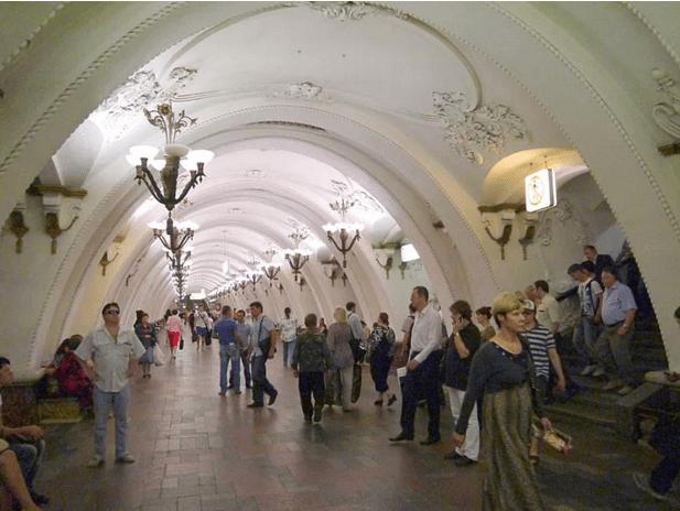 müzeyi-anımsatan-moskova-metrosu-20