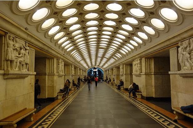 müzeyi-anımsatan-moskova-metrosu-4