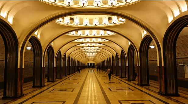 müzeyi-anımsatan-moskova-metrosu-6
