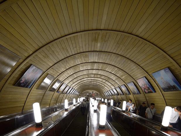 müzeyi-anımsatan-moskova-metrosu-9