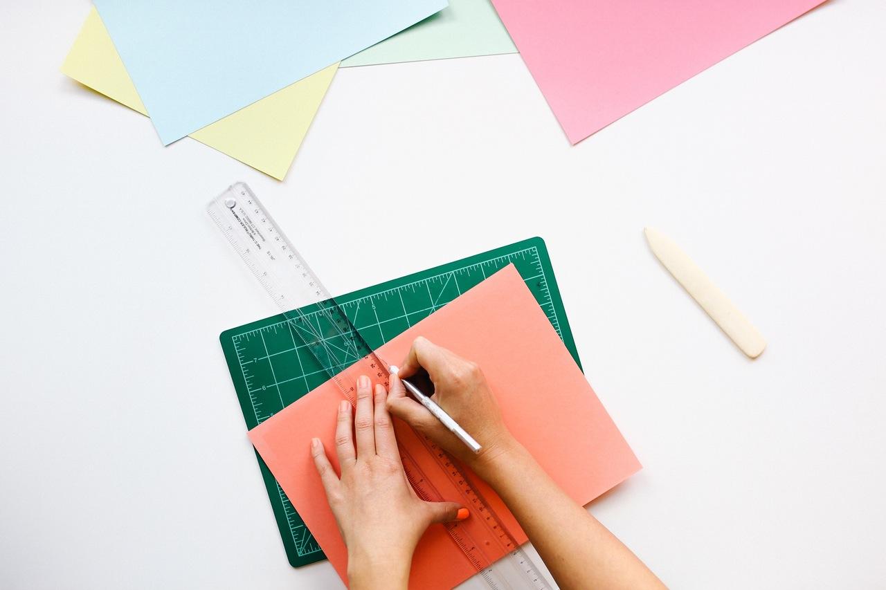 desk-office-pen-ruler (1)
